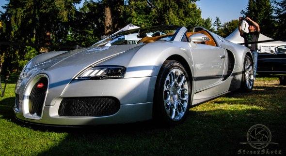 The Bugatti Veyron, The ultimate speed machine.